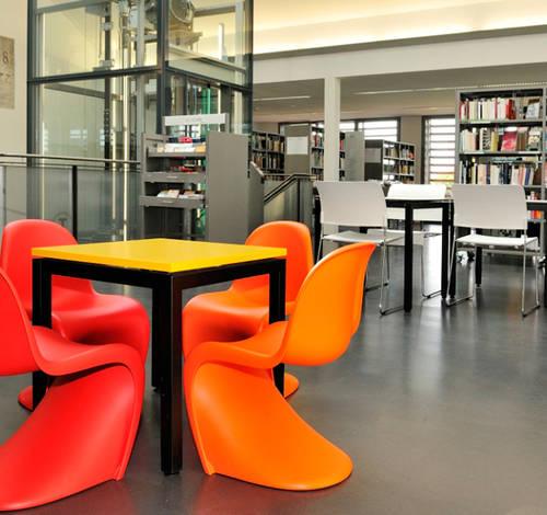 Stadtbibliothek Wil: Interior Design Pius Schäfler AG